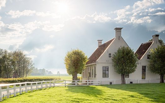 Tips for Buying or Selling a Home in the Country