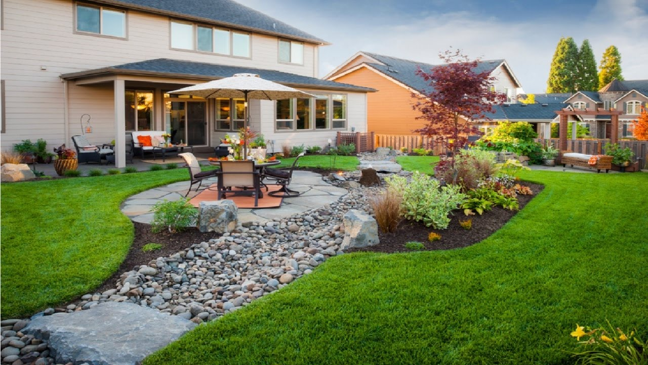 Six Tips for Staging Your Outdoor Living Space