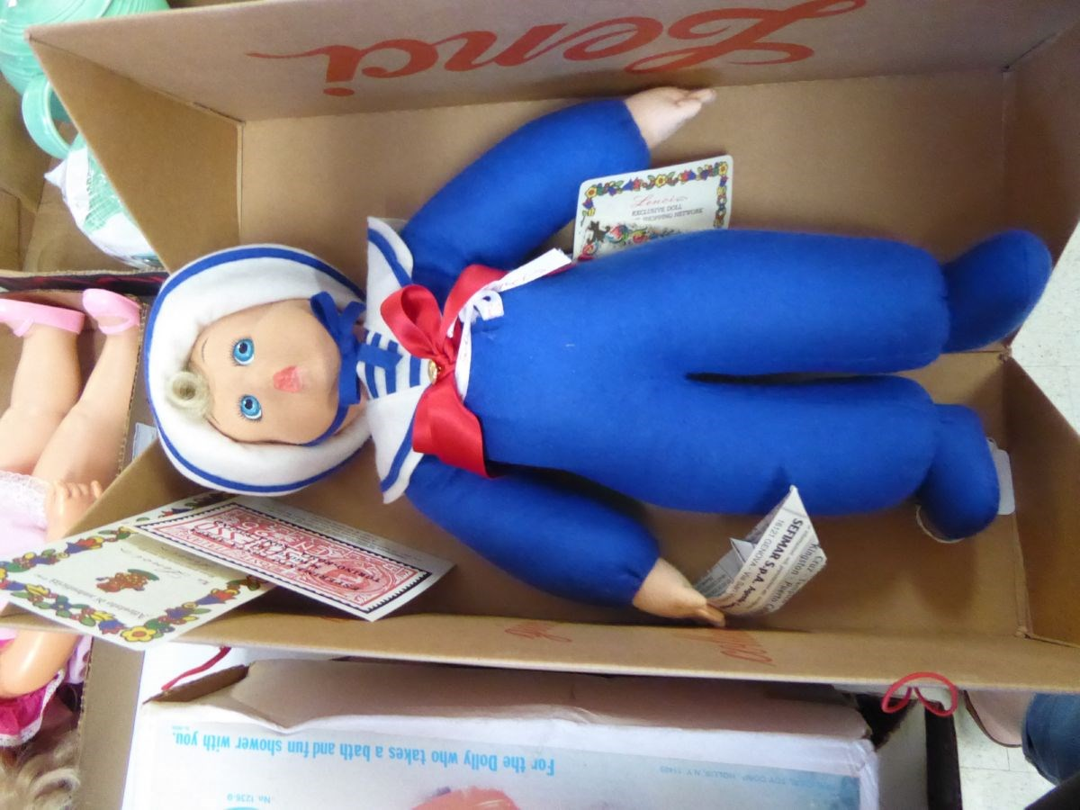 The Dolls, Collectibles & Antiques Online Only Auction