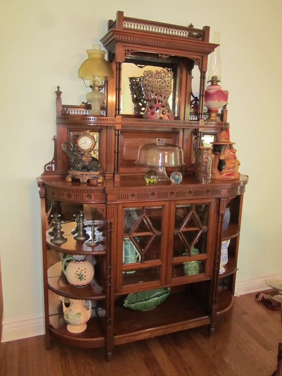 Quilts | Glassware | Furniture | Vintage | Auction