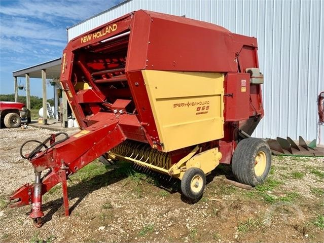 New Holland 885 Baler