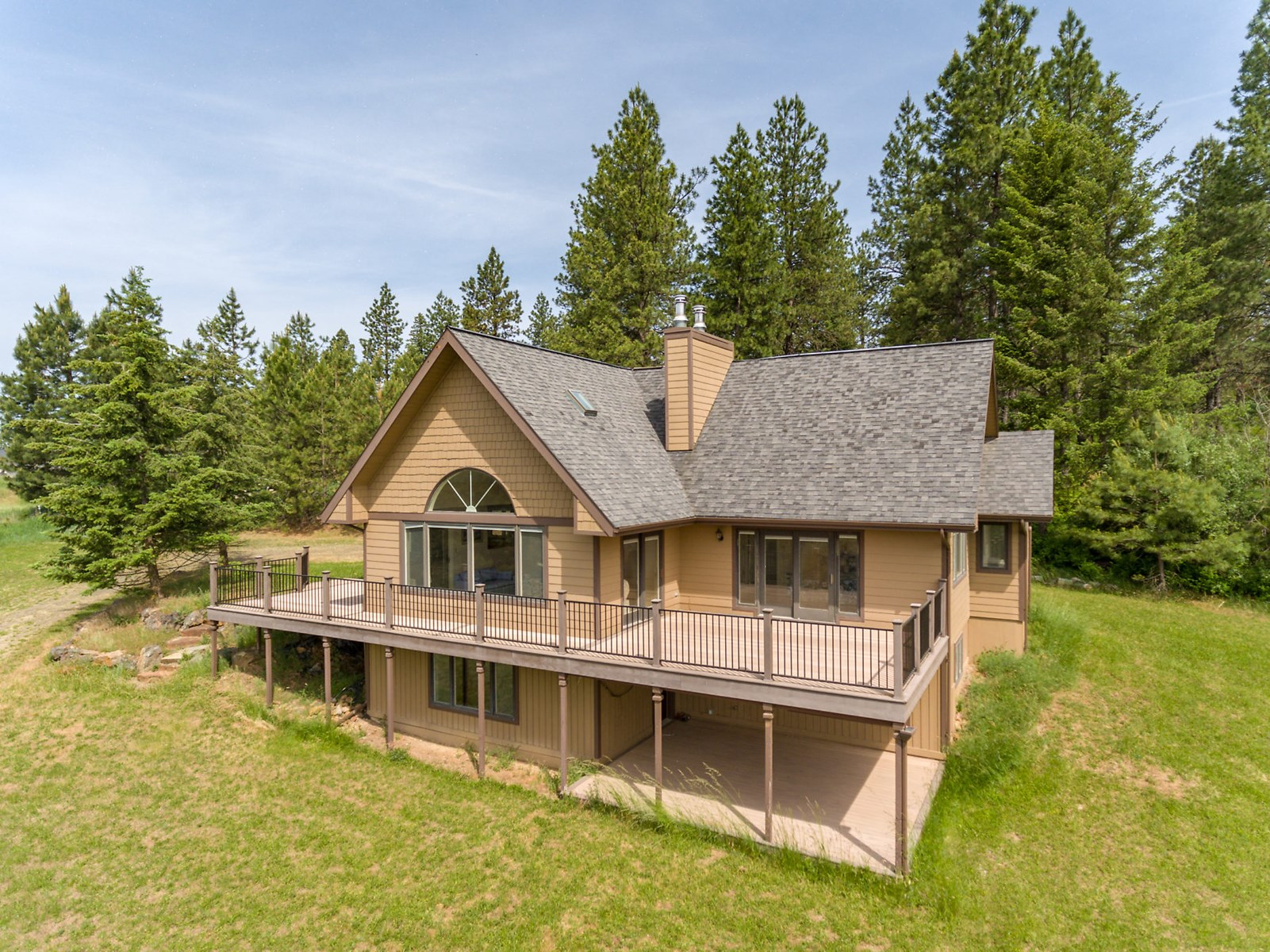 North Idaho Country Home with Acreage Next to Coeur d'Alene