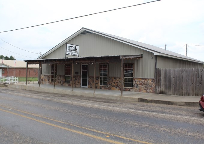 COMMERCIAL IN BOWIE COUNTY, TEXAS