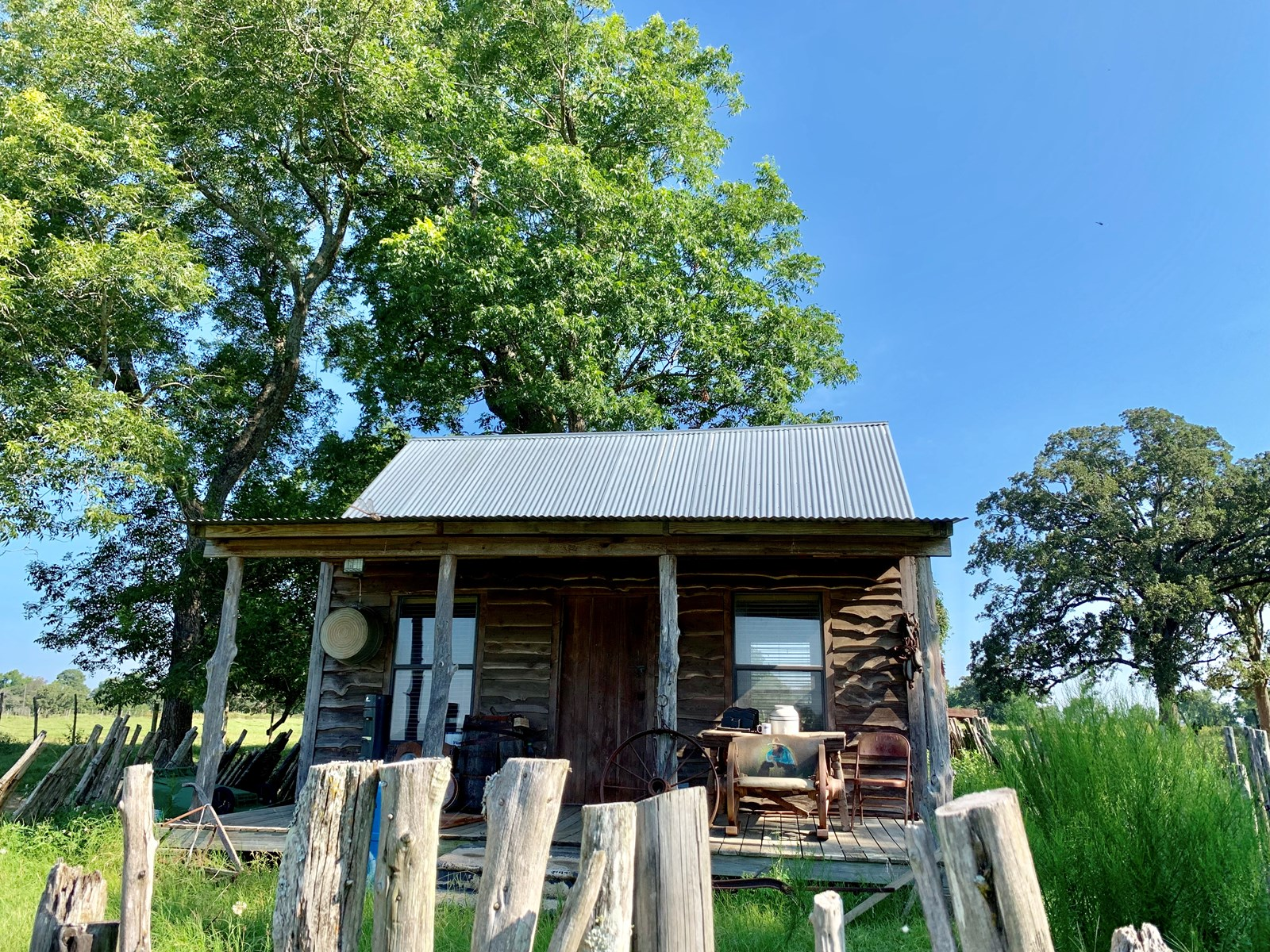 Ranch with small cabin for sale near Frankston TX