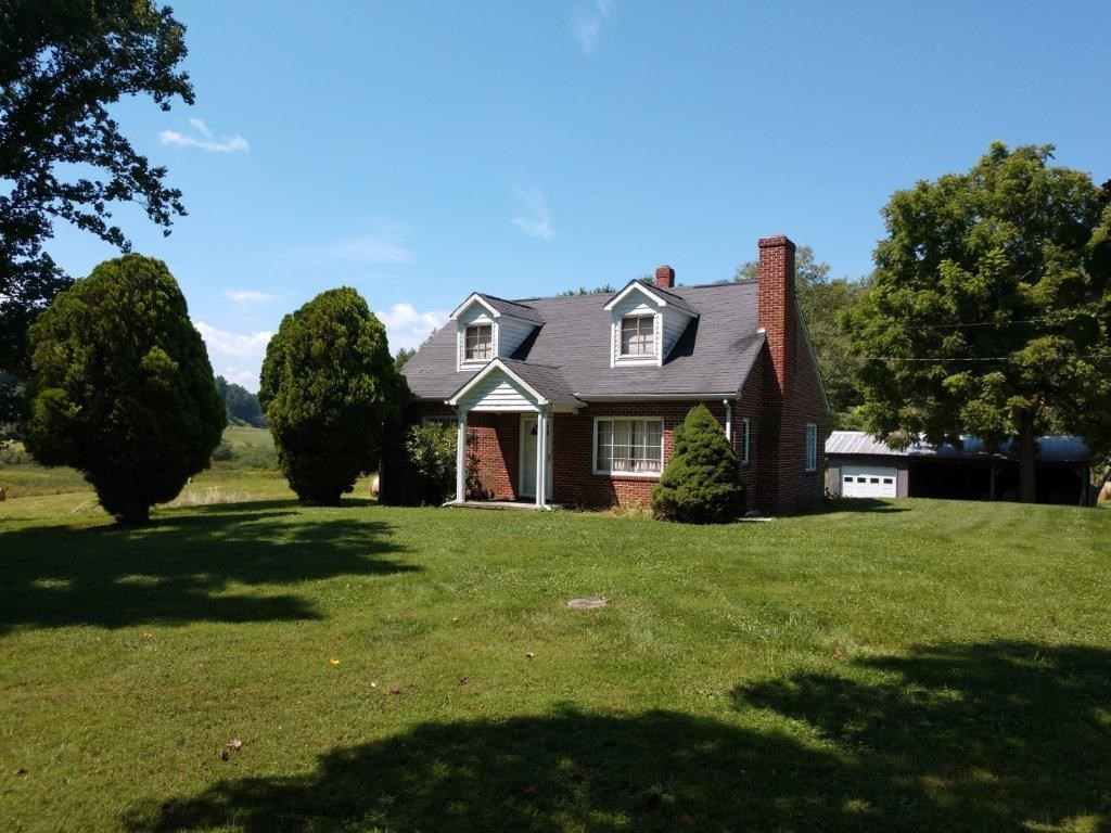 Brick Home & Acreage for Sale at Auction in Floyd VA