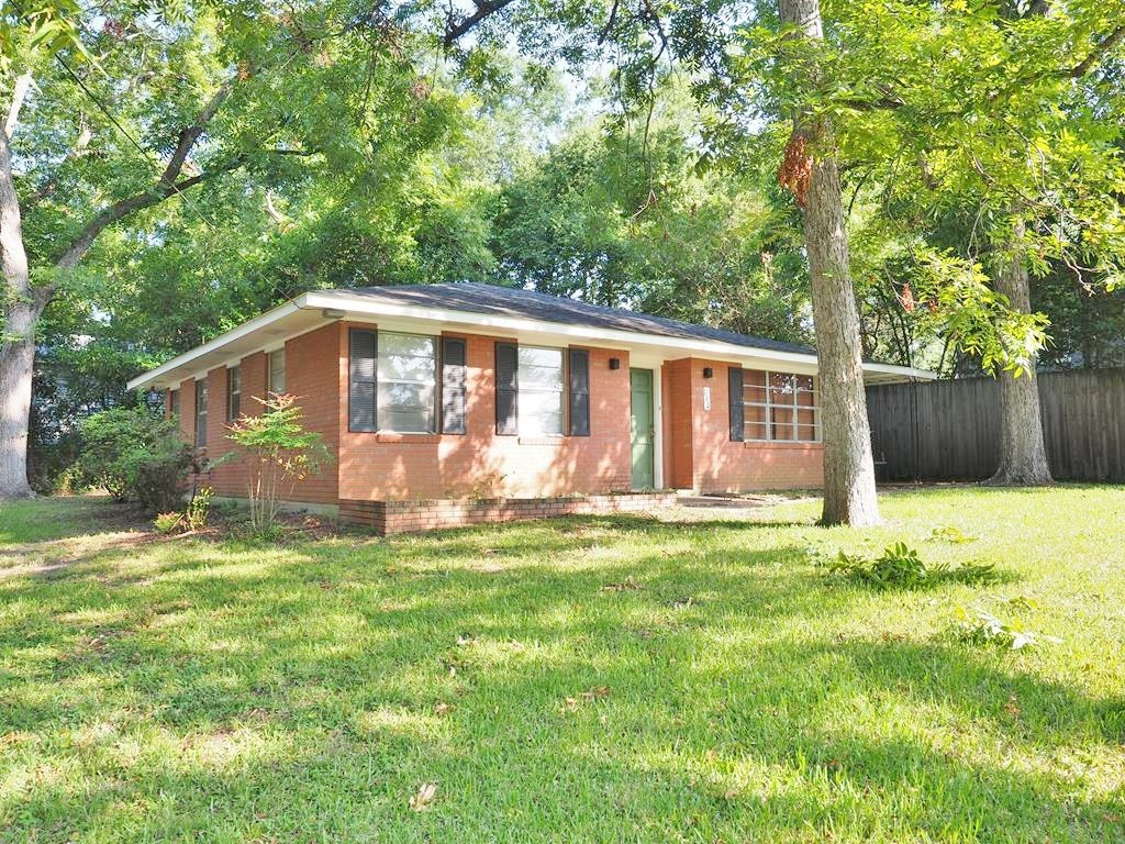 2 Bed, 2 Bath Brick Home in Town for Sale, McComb, MS