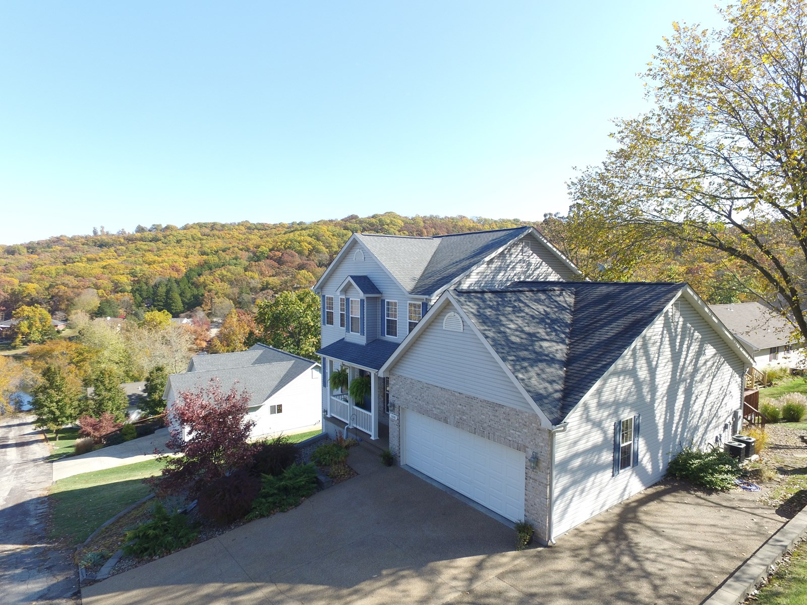 Spacious Home with Beautiful View For Sale in Hermann, MO