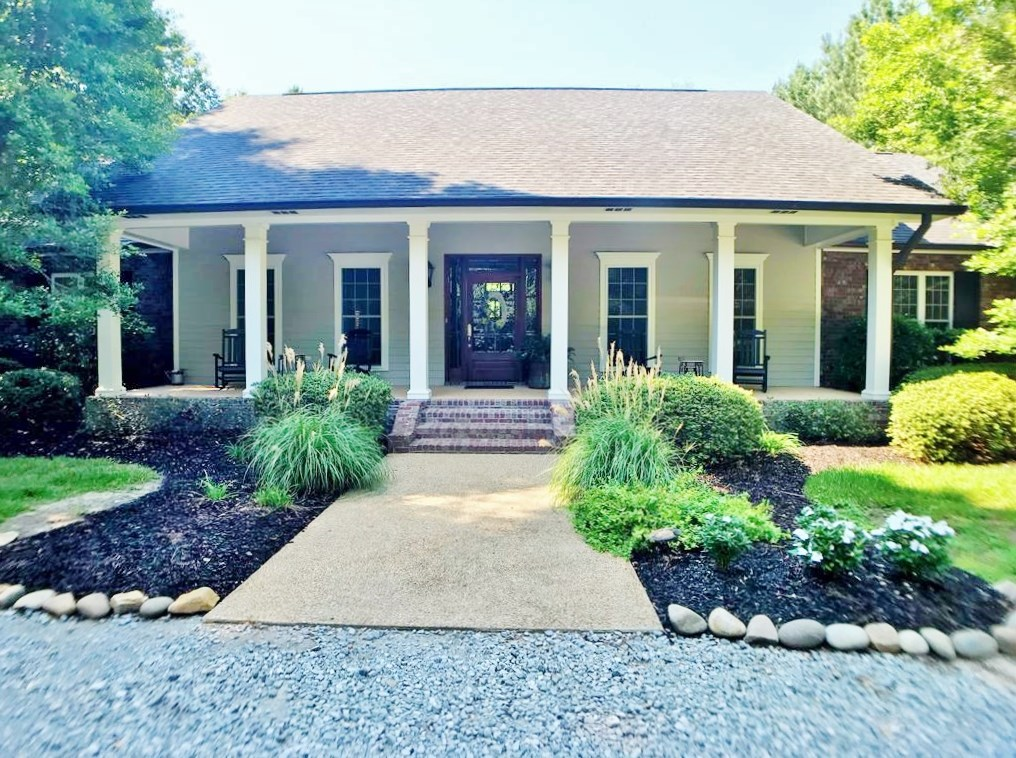 Modern 3 Bed/ 2.5 Bath Home, Pool, 2.52 Acres, McComb, MS