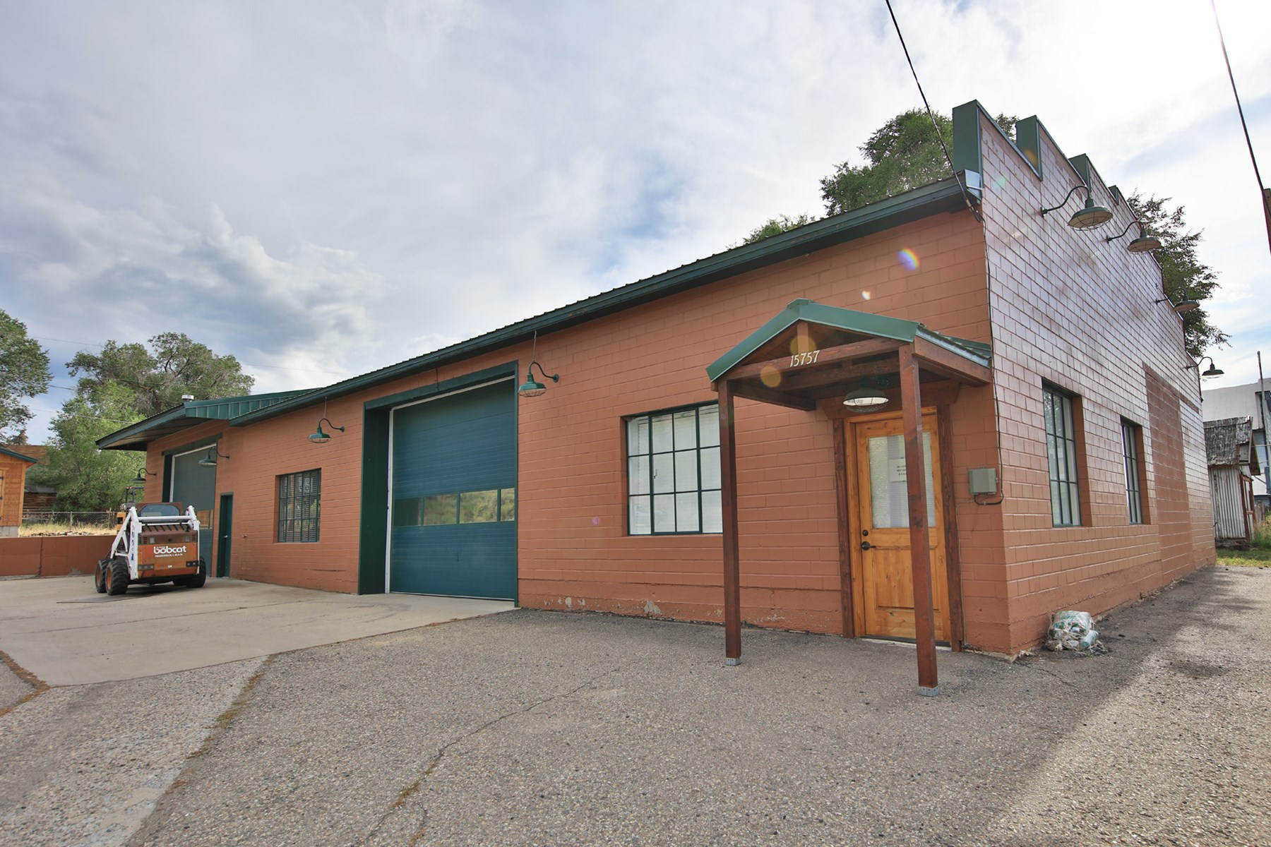 Commercial Shop/Warehouse For Sale in Colorado
