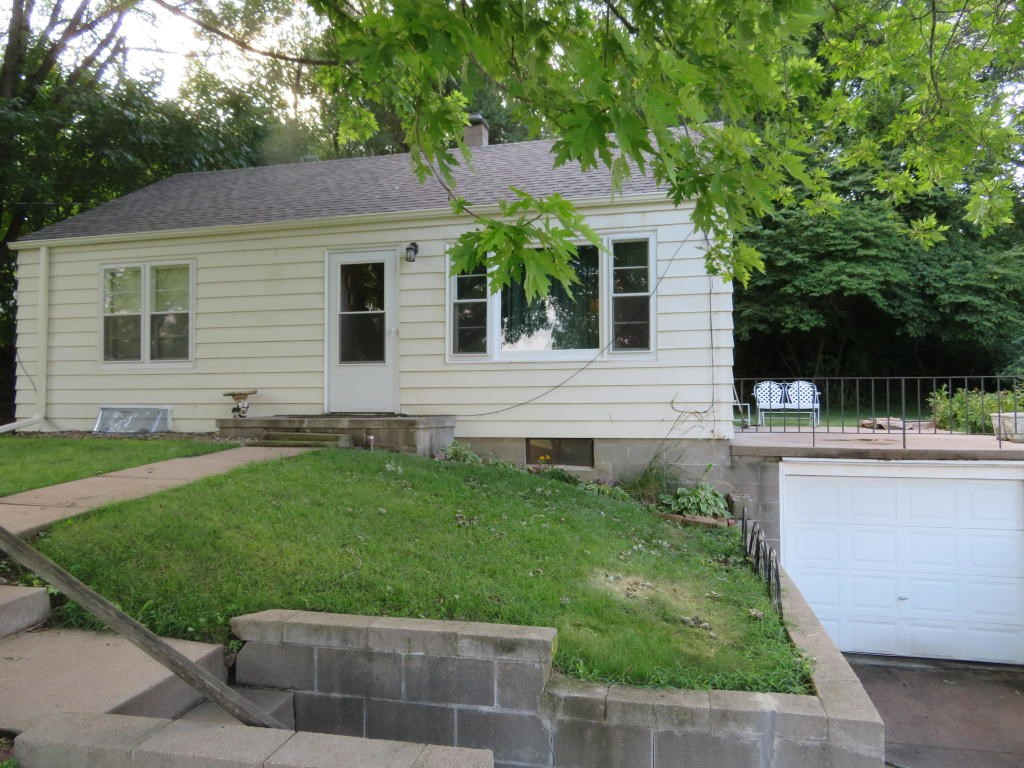 2 Bed/1 Ba for Sale Missouri Valley, Iowa close to metro