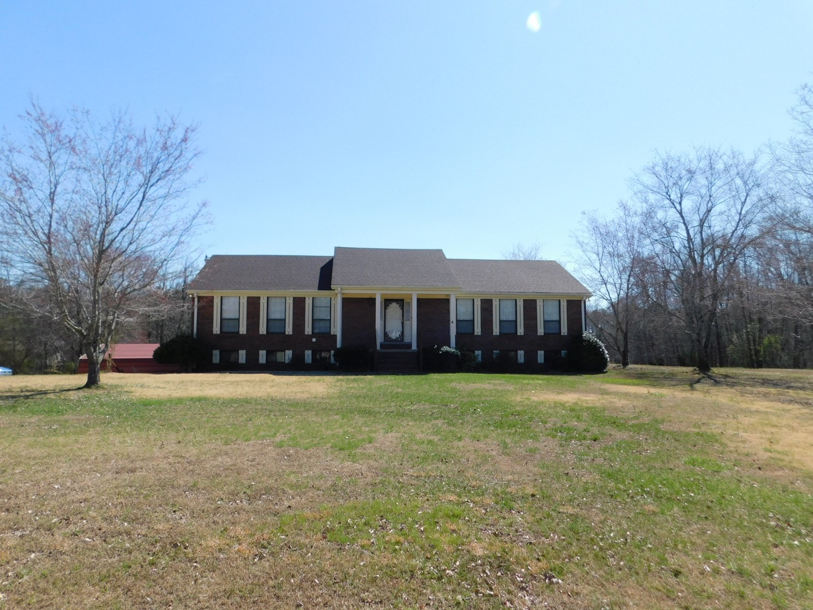 5 BEDROOM HOME WITH ACREAGE & BASEMENT FOR SALE IN TN