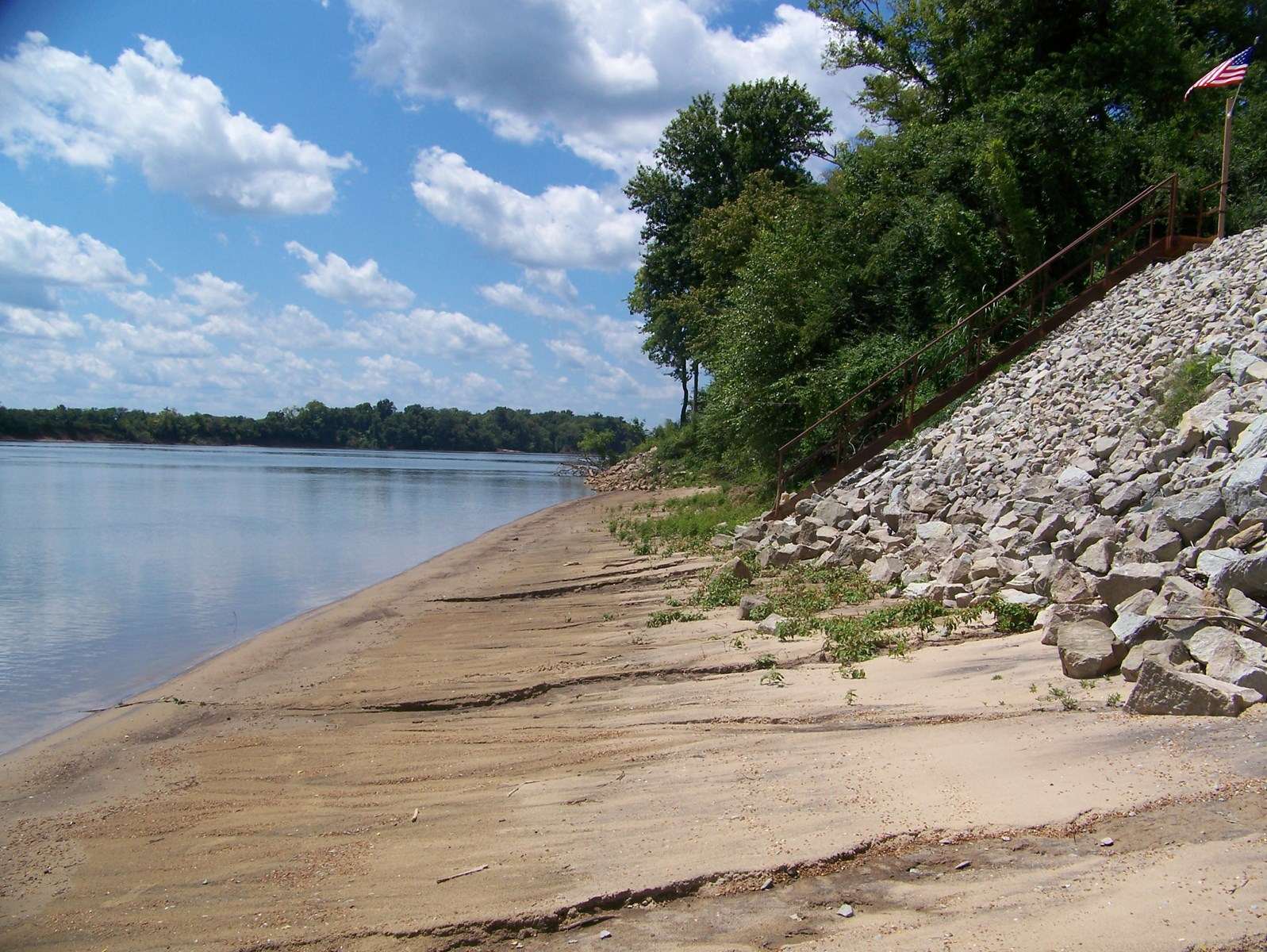 TN RIVERFRONT LAND FOR SALE - WATERFRONT, FISHING, BOATING