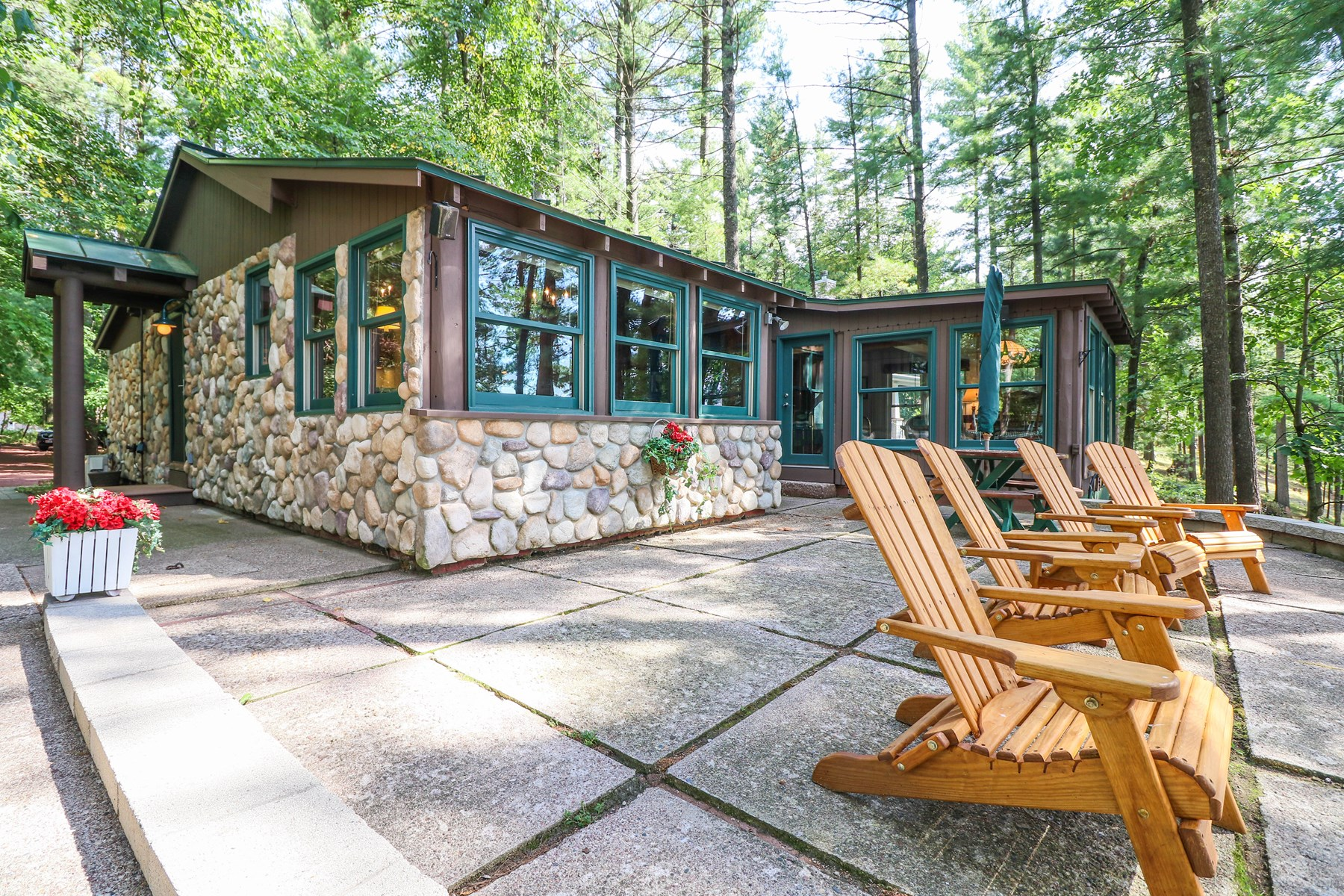 Long Lake Home for sale Waupaca Chain O' Lakes