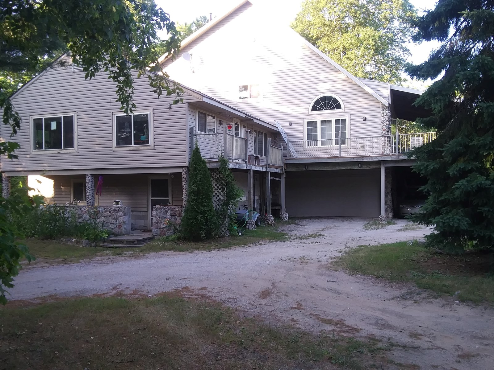 Large Family Home - Upper Peninsula Hiawatha Paradise