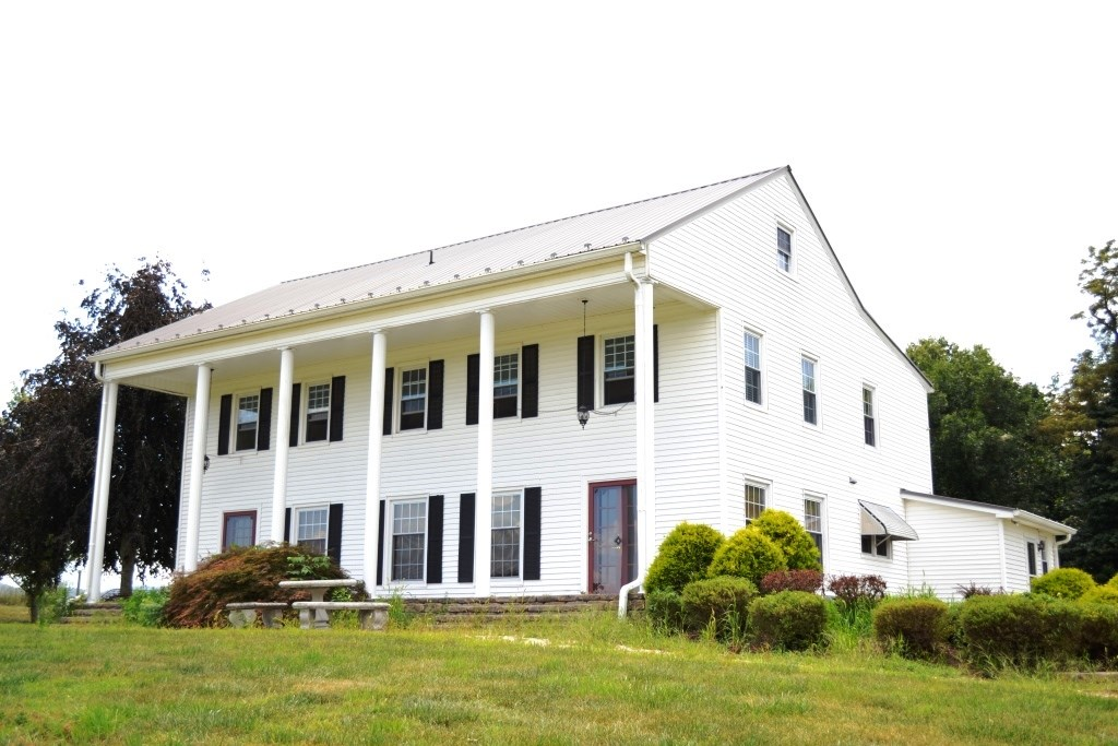 Historical Colonial home on 3+ acres near New River, VA