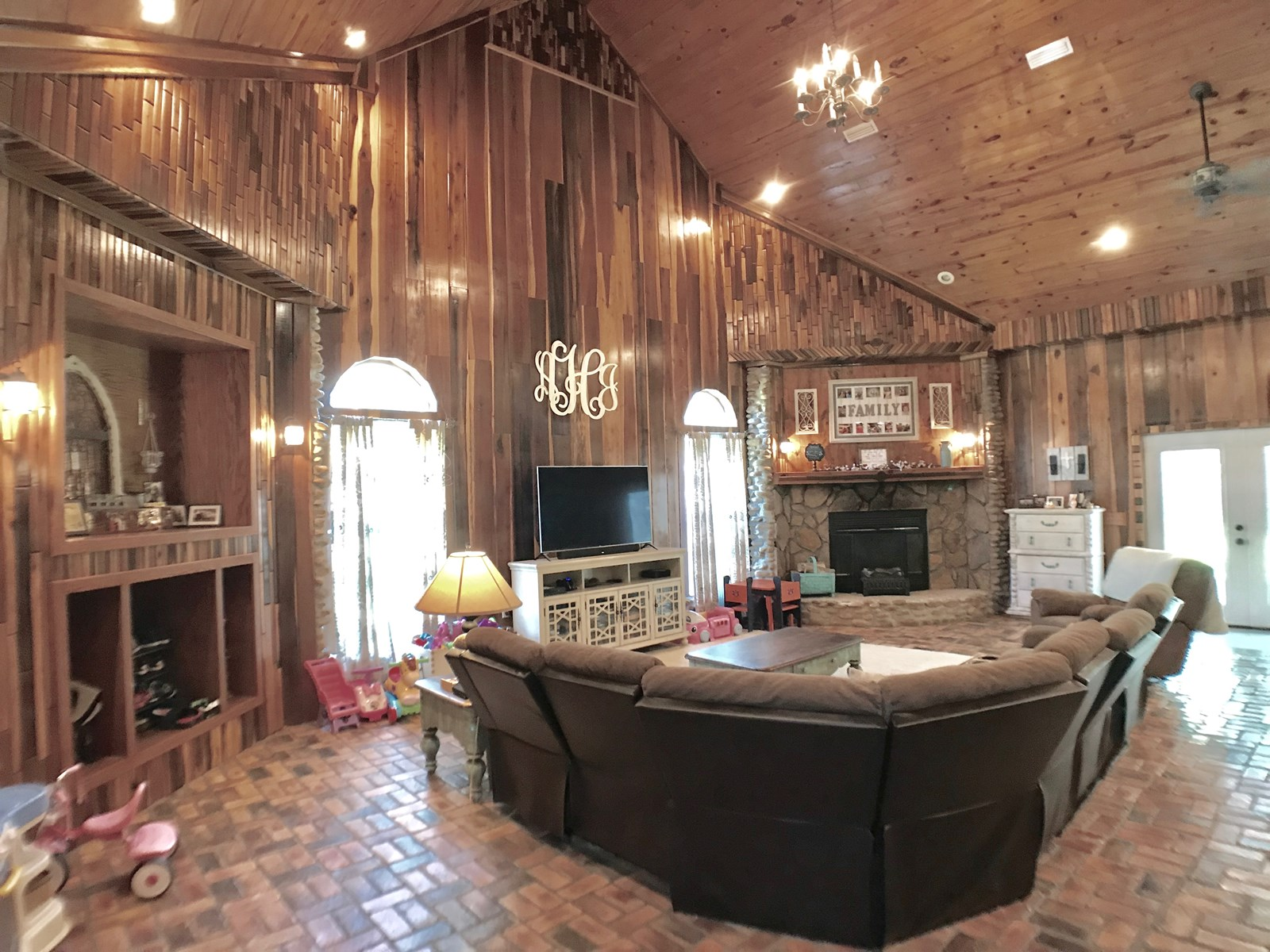 7B/4.5B Country Home for Sale on 2.65 acres Geneva, AL