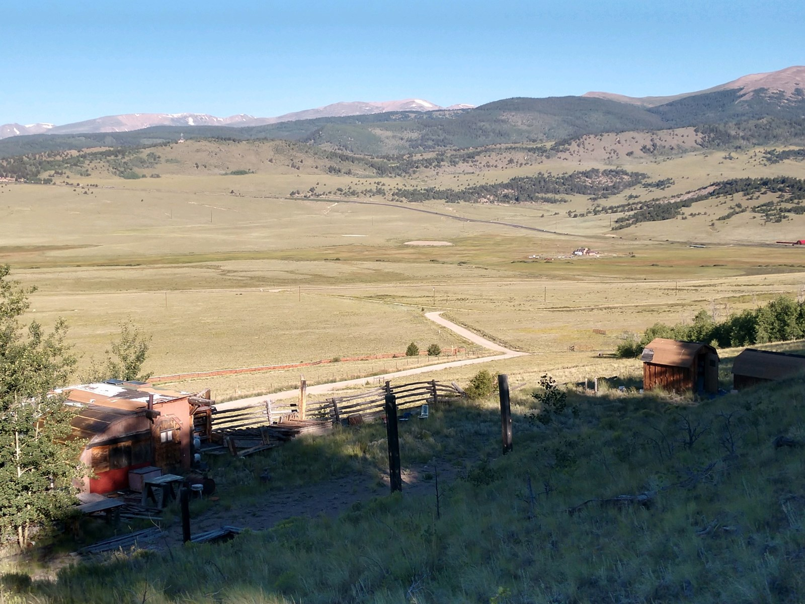 Colorado Mtn acreage with domestic well backs state land!