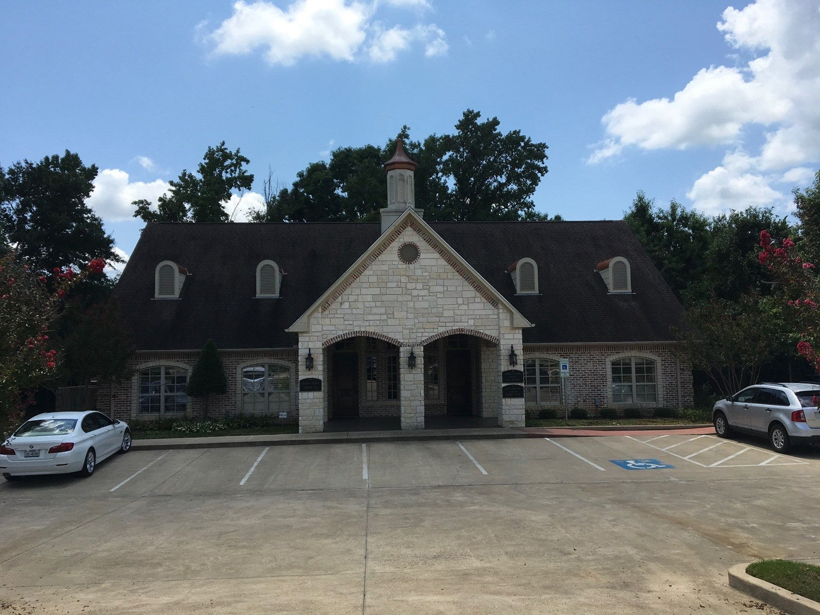 Professional Office Building for Sale Near Loop 323 Tyler TX