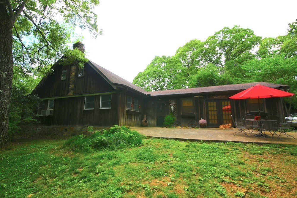 Rustic Country Home for Sale in Mammoth Spring, AR
