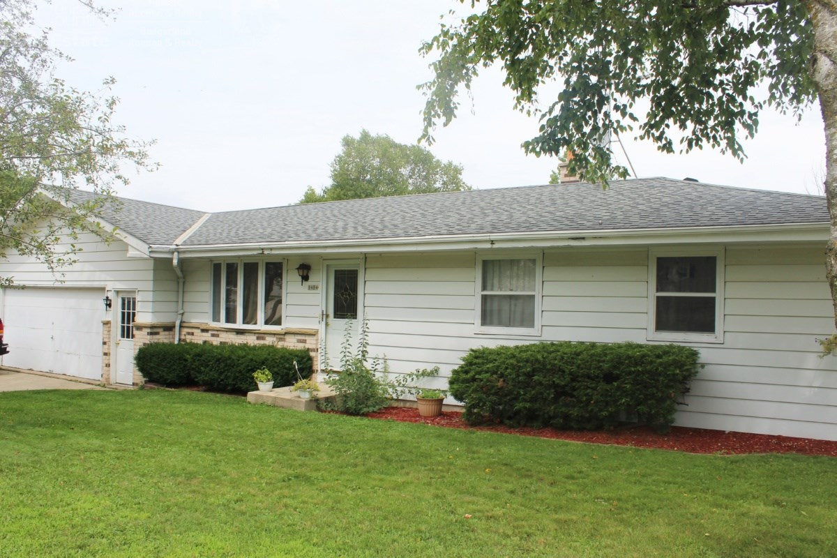 Home in Town For Sale - West Bend, WI