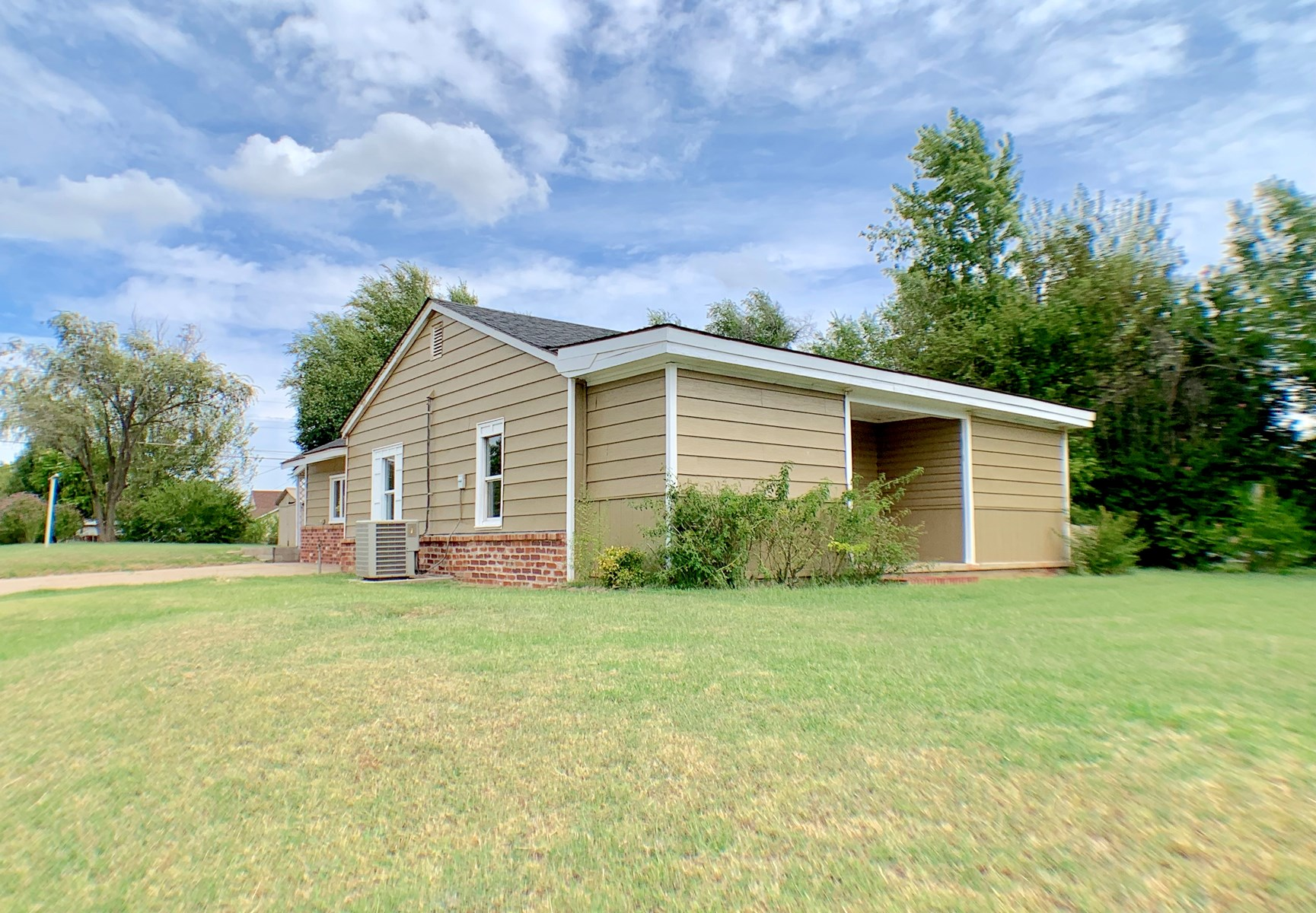 ELK CITY HOME FOR SALE RECENTLY REMODELED