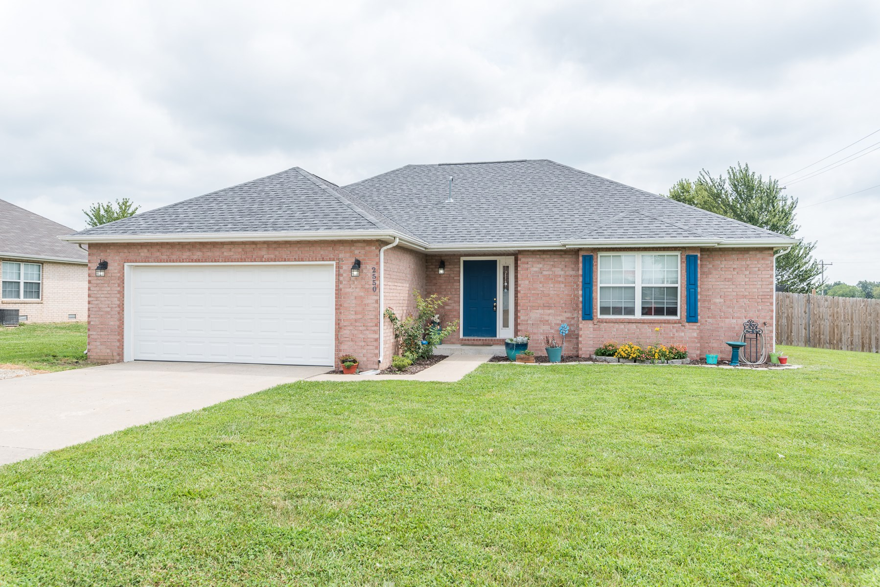 Beautiful 3 Bedroom & 2 Bath Home in Bolivar Schools!