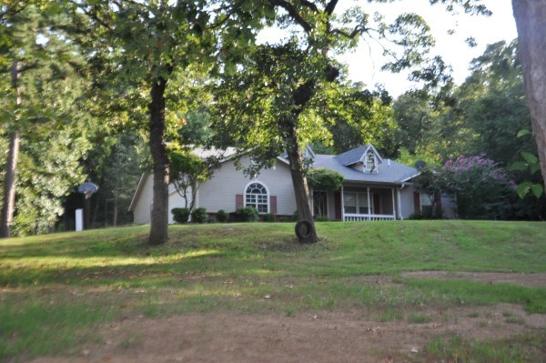 POTEAU, OKLAHOMA COUNTRY HOME FOR SALE