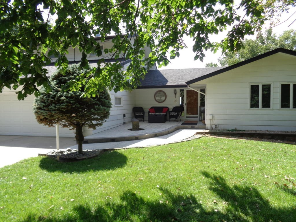 Secluded Executive Home Mo Valley Iowa Scenic Views Acreage