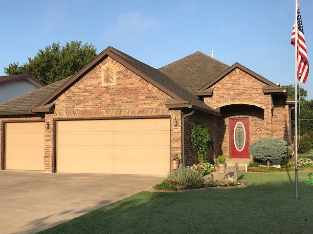 Beautiful Brick Home in Wonderful Location!