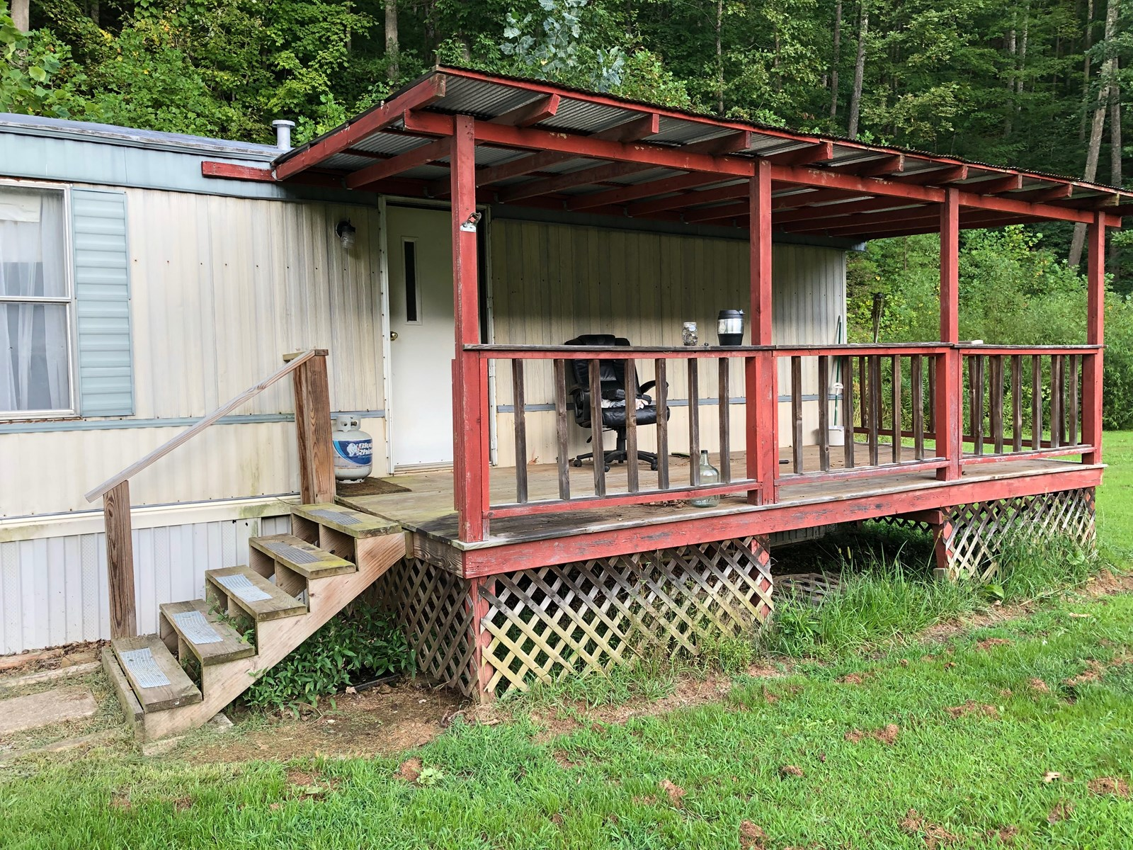 MOBILE HOME ON 6 PRIVATE ACRES, MOVE IN READY, ROANE COUNTY!