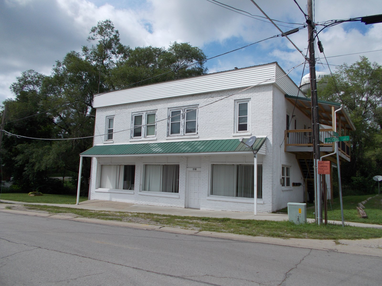 Investment & Income Property in Albany Missouri