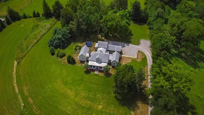Picture Perfect Farmhouse in Williamson County!