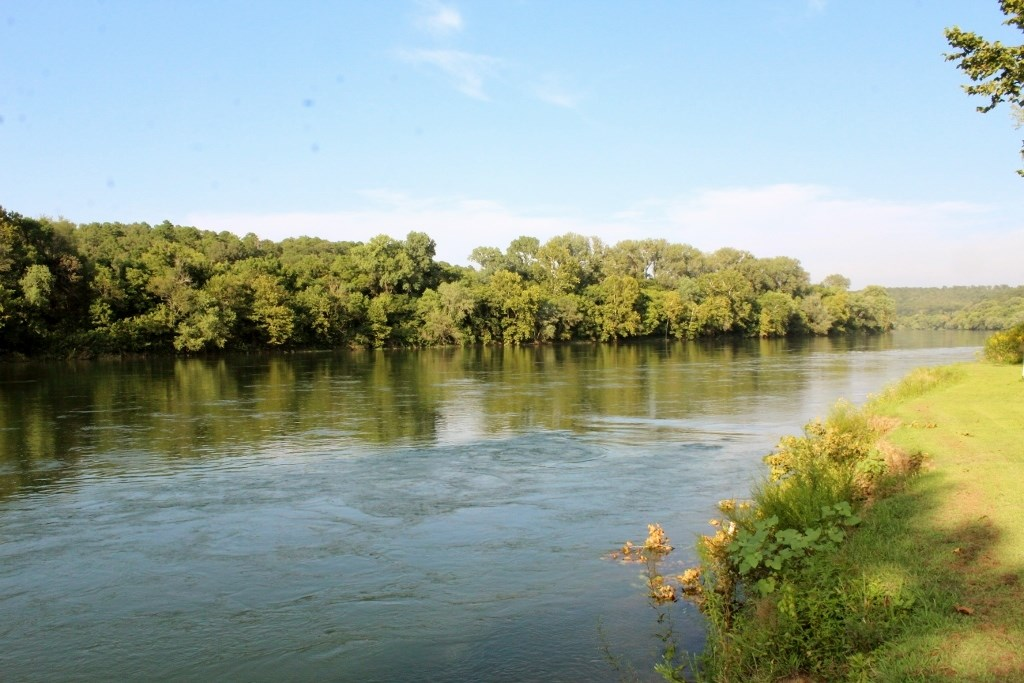 RIVERFRONT PROPERTY FOR SALE IN ARKANSAS
