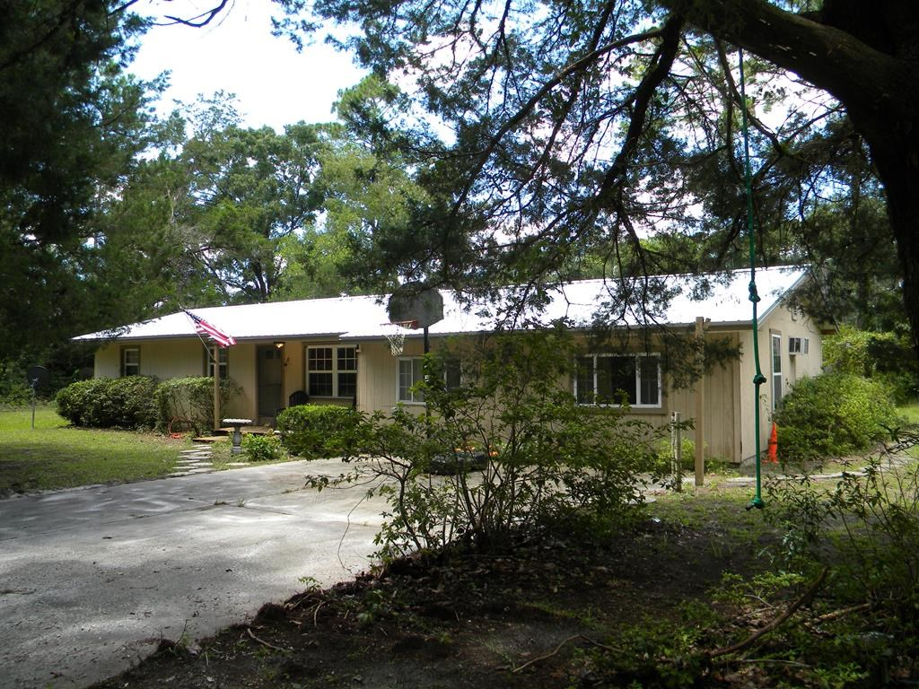 NORTH CENTRAL CHIEFLAND FLORIDA 5 BED / 2.5 BATH ON 1.3 ACRE