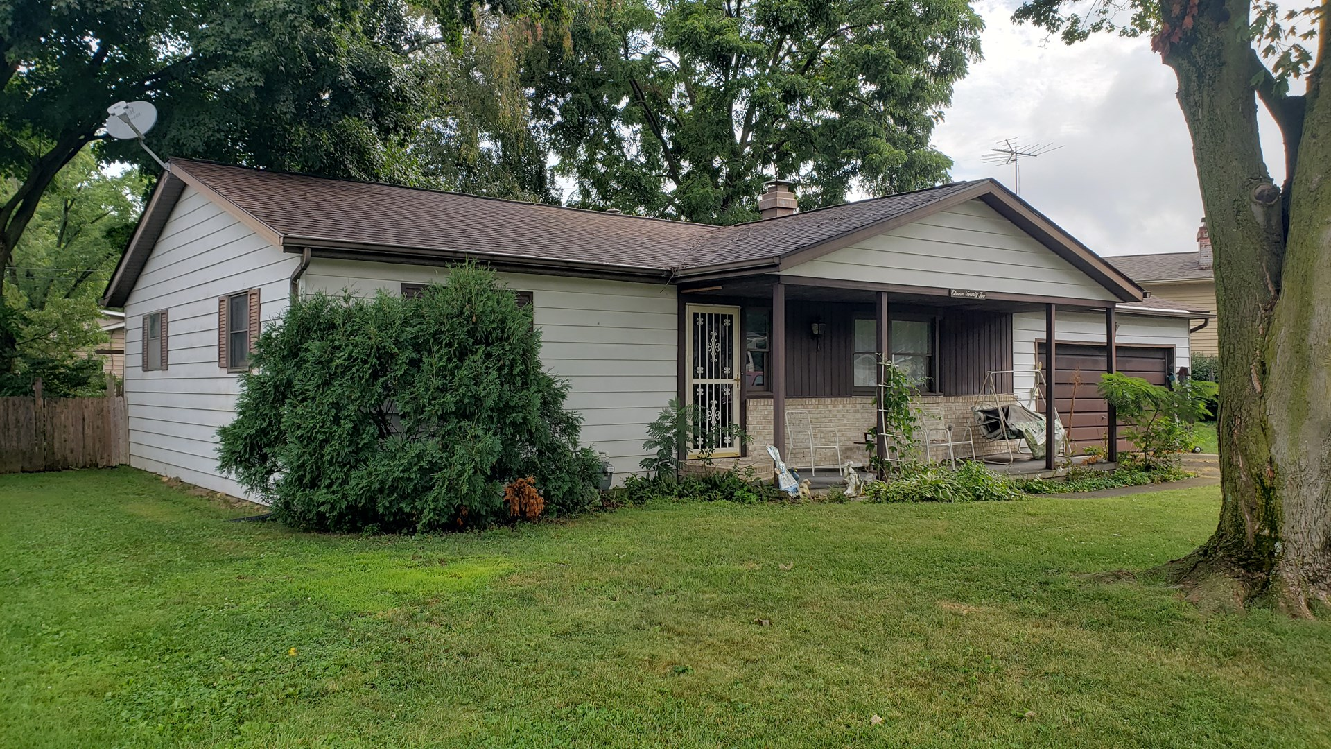 Single Family Ranch Home and Pers. Prop. in Heath, Ohio For Auction