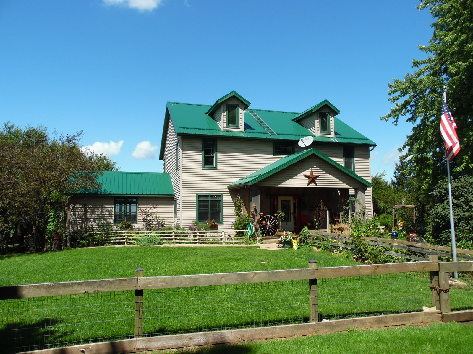 Horse Ranch & Cattle Farm for Sale in Rock City, IL
