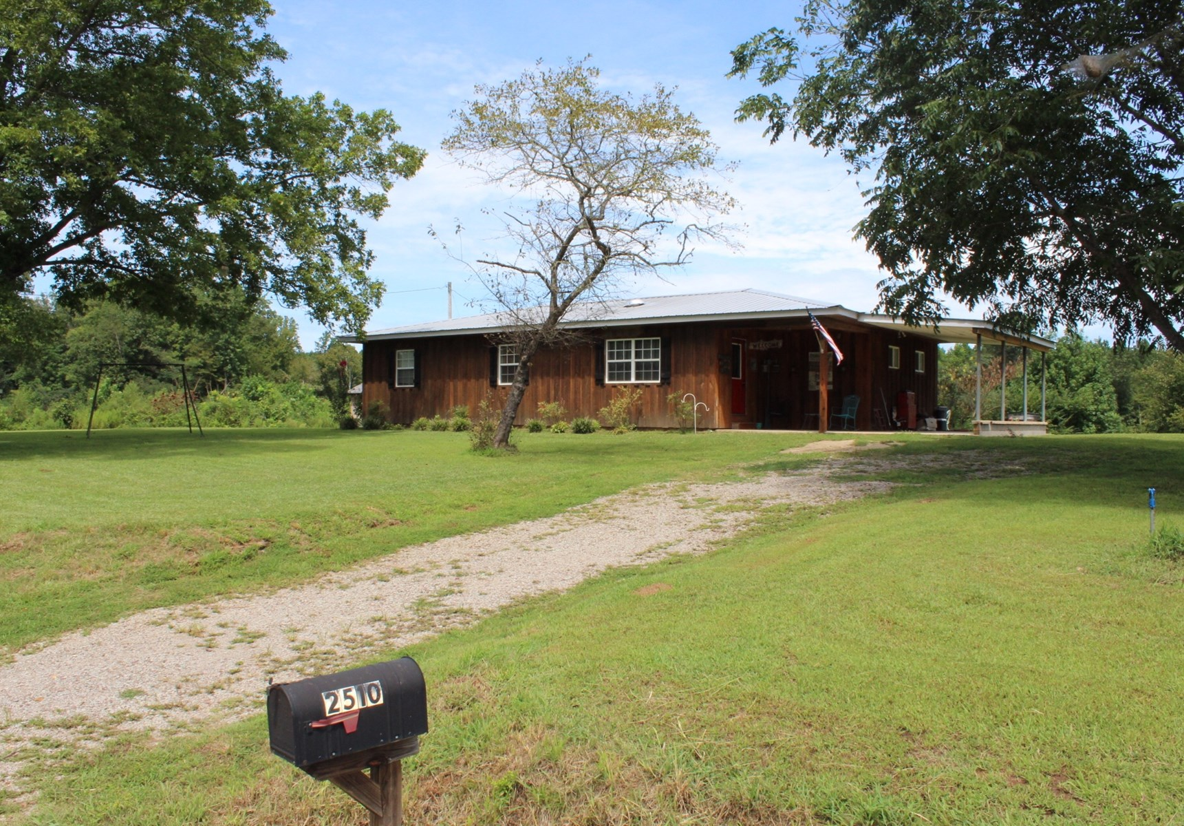 COUNTRY HOME WITH ACREAGE IN TN, NEWLY RENOVATED