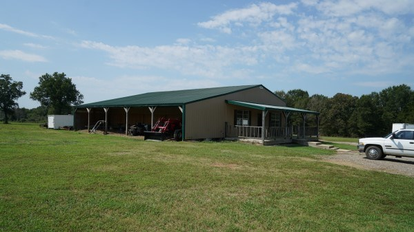 OKLAHOMA BARNDOMINIUM ON 10 ACRES FOR SALE