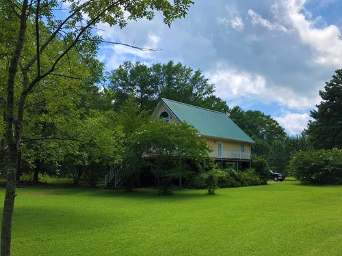 495 Humphries Cove Rd, West Point, MS