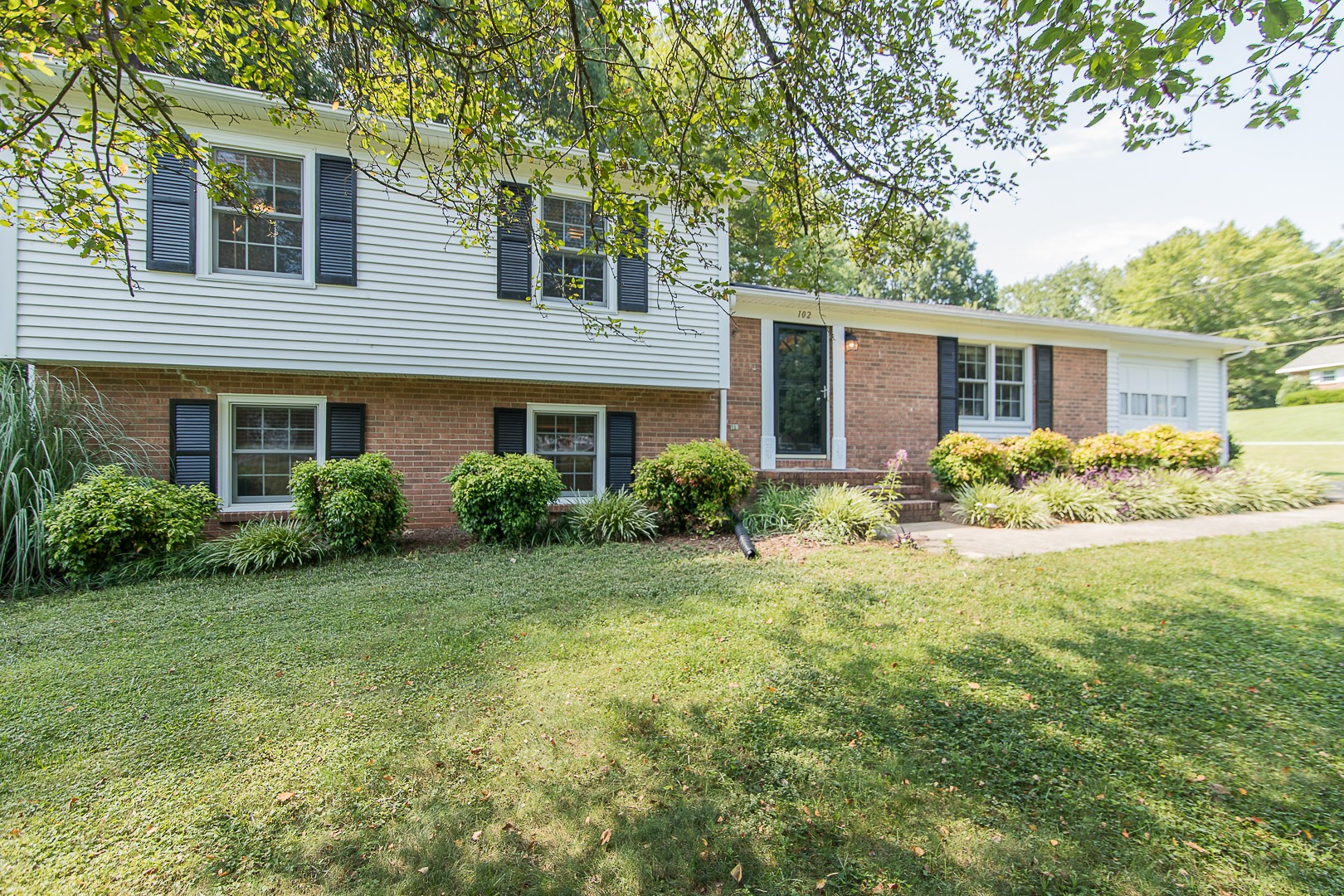 Home in King, NC with 3 bdrms 2.5 bath, Excellent Location