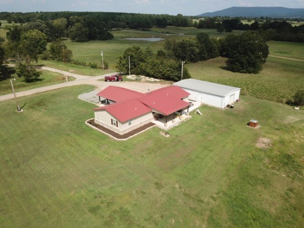 OKLAHOMA COUNTRY CUSTOM HOME FOR SALE
