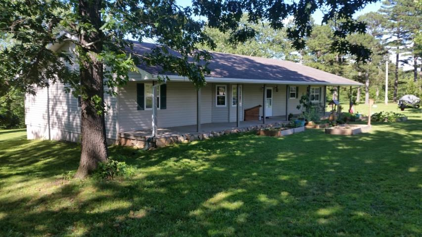 Quiet Country Home For Sale in Douglas County Missouri