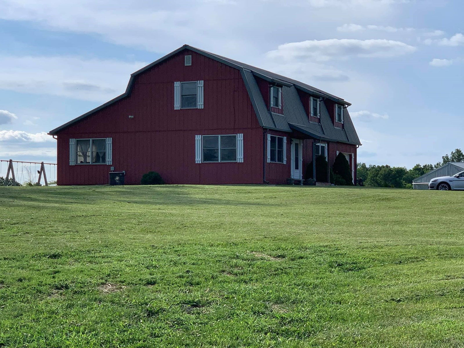 Country Home on Small Acreage in Mercer County