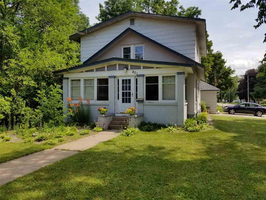 Character Home in City of Waupaca, WI for sale
