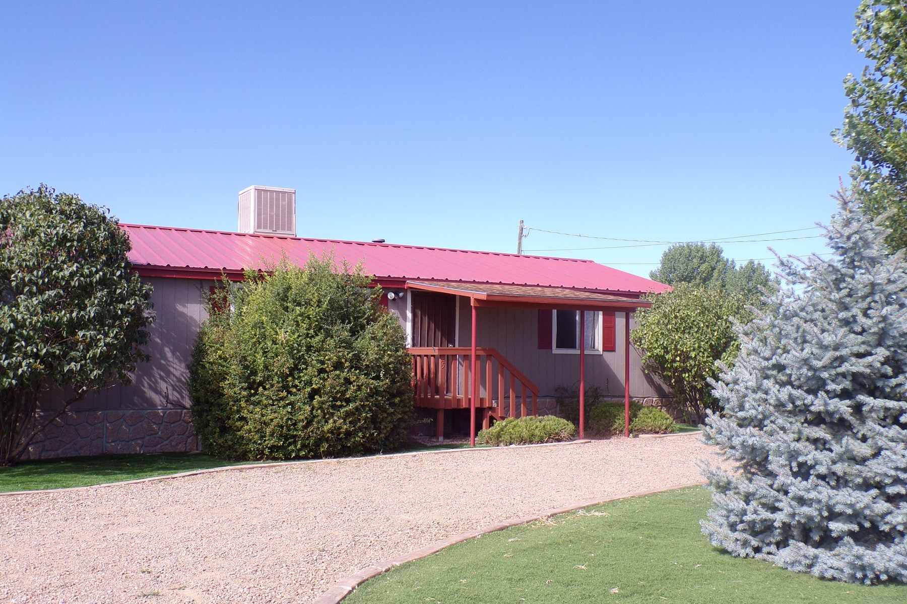 Country Home with Shop in Edgewood NM For Sale