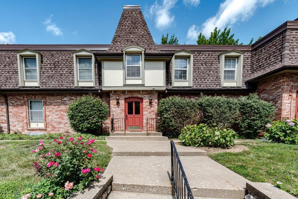 2 BR, 1 BA Upper Level Condo in SW Columbia, MO near MU