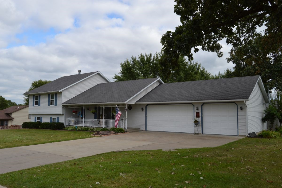 Corner Lot Home for Sale Columbia County WI