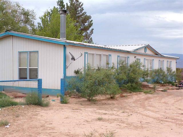 Home on 2.5 Acres, Horses Allowed, 3 Bed 2 Bath