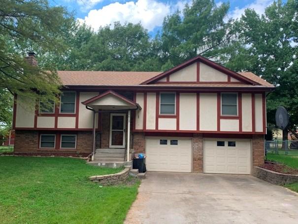 Home For Sale in El Dorado Springs, Missouri