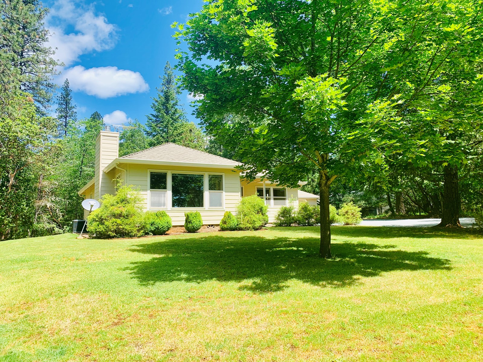 Lovely 2bd 1.5Bath Grants Pass Oregon Home in the Country